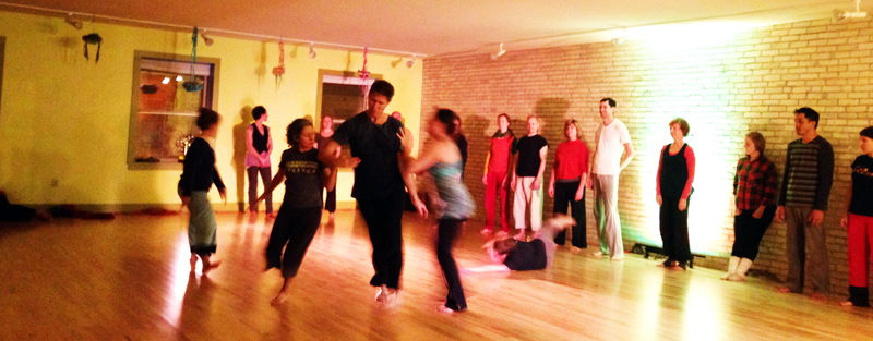 contact improvisatiion dance performance